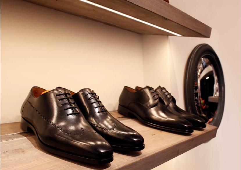 La giusta illuminazione per la cabina armadio vendita illuminazione - Cabina armadio per scarpe ...