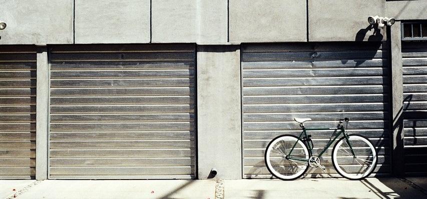 illuminazione esterno garage con sensore