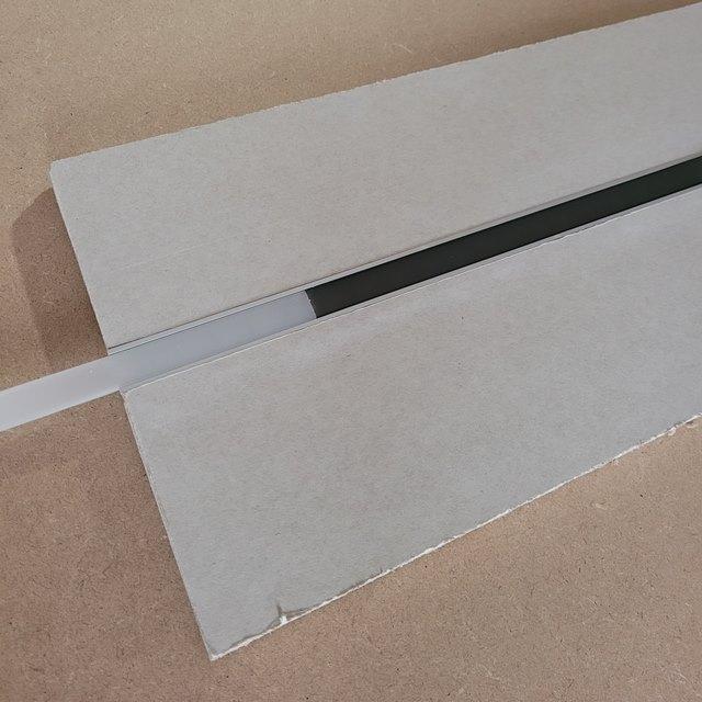 cover nera per freccia led